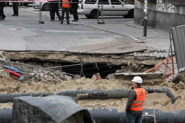 Awaria podczas budowy II linii metra przy ulicy Świętokrzyskiej