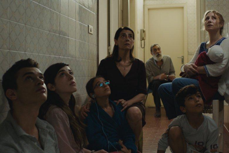 """""""w czterech ścianach życia"""" to film o codzienności w ogarniętej wojną Syrii"""