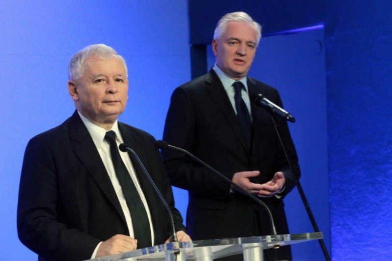 Jarosław Kaczyński mówi, że system medialny w Polsce jest chory. Jarosław Gowin chce repolonizacji mediów.