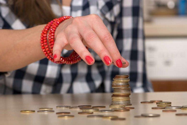 """[url=http://shutr.bz/1kkpR1D]Kobiety[/url] w UE pracują 59 dni """"za darmo"""" - podała Komisja Europejska"""