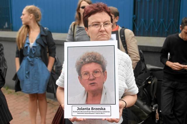 Protest osób domagających się wyjaśnienia sprawy śmierci Jolanty Brzeskiej. Wrzesień 2011 r.