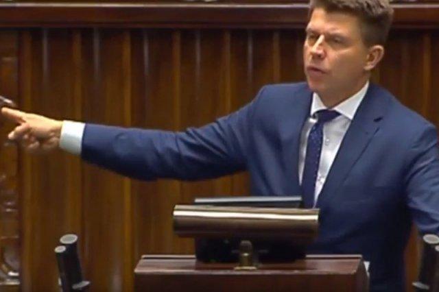 To mu się udało. Petru przypomniał Morawieckiemu pewien fakt z jego politycznej kariery.