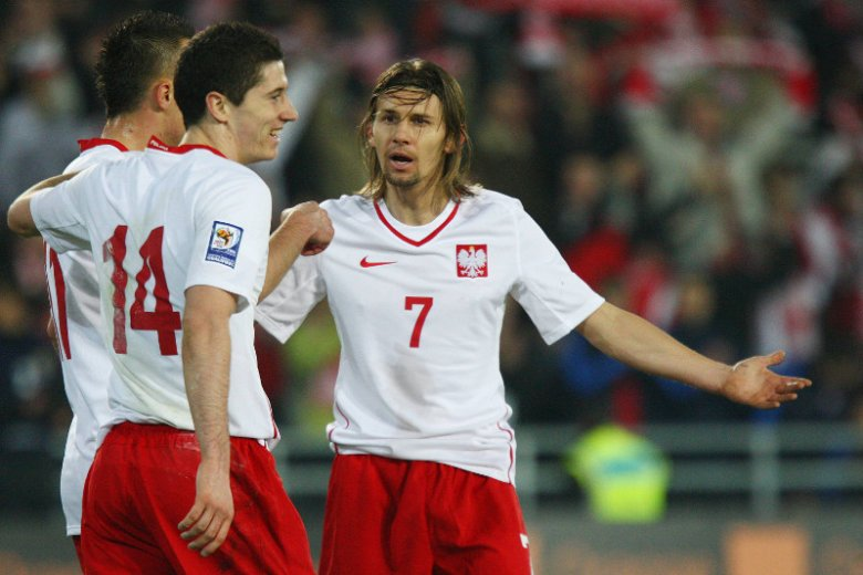 Ebi Smolarek tłumaczy, dlaczego Polacy nie odnoszą sukcesów na wielkich imprezach piłkarskich.