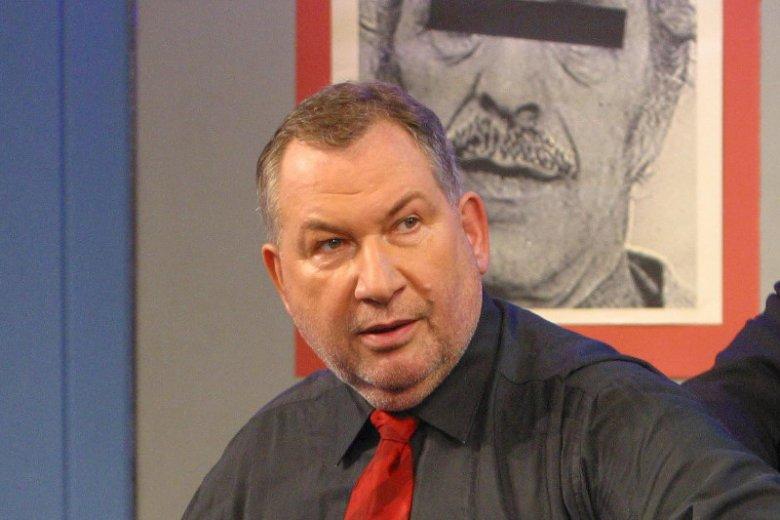 """""""997"""" na antenie TVP gościło od 1986 do 2010 r., teraz powraca po blisko 7-letniej przerwie. Na zdjęciu: Michał Fajbusiewicz podczas realizacji programu w 2003 r."""