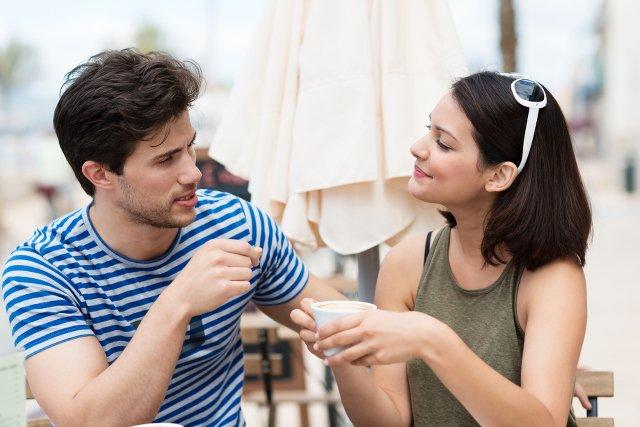 Dlaczego mężczyźni zawsze myślą, że kobiety z nimi flirtują?