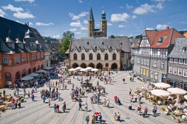 Goslar, rynek i ratusz