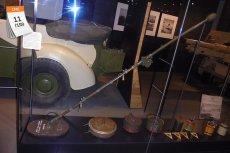 Mine Detector (Polish) Mark I, ręczny wykrywacz min zaprojektowany przez porucznika Józefa Kosackiego, był jednym z wynalazków, które pomogły Aliantom wygrać niejedną bitwę w II wojnie światowej