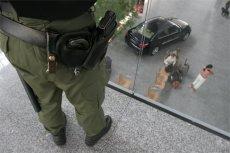 Niebezpieczny incydent na lotnisku w Gdańsku. Napastnikiem był 33-latek z Piły.