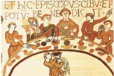 Biesiady były nieodłącznym elementem życia w dawnych wiekach. Na zdjęciu opończa z Bayeux.