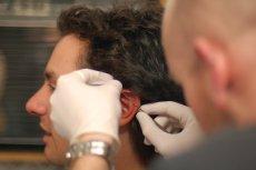 Profesjonalny piercing jest jak zabieg chirurgiczny. Narzędzia muszą być sterylne, a skóra wydezynfekowana