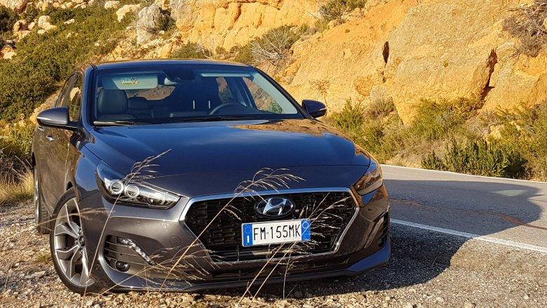 Auto z silnikiem 1.4 i automatyczną skrzynią biegów świetnie radziło sobie na górskich krętych drogach.