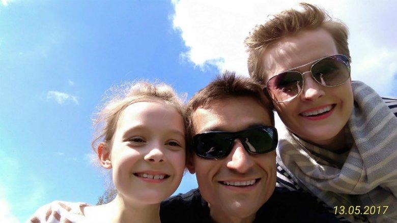 Rodzina to jest siła - przynajmniej dla maratończyka. Dariusz Nożyński z żoną i córką