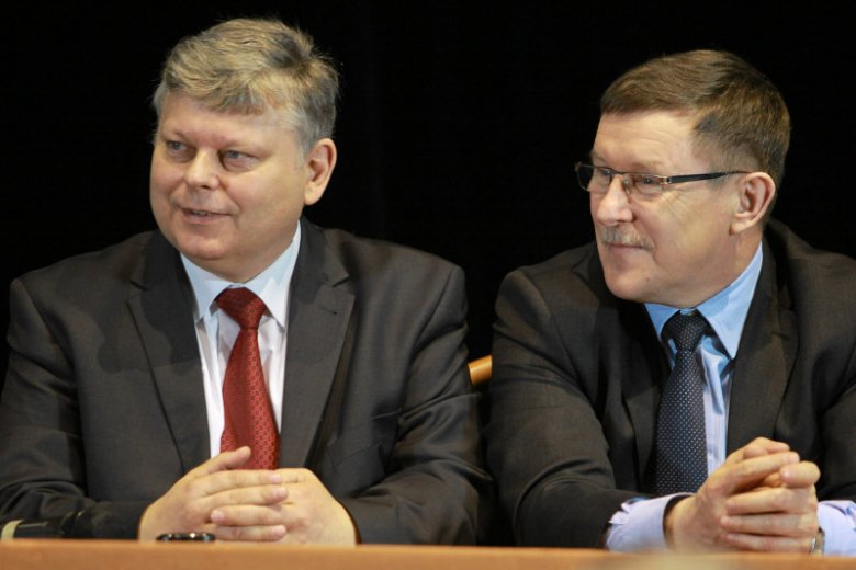 Marek Suski uczestniczył w negocjacjach z rezydentami, ale nich wyszedł. Zbigniew Kuźmiuk zrelacjonował ich przebieg, ale - jak dowodzą lekarze - minął się z prawdą.