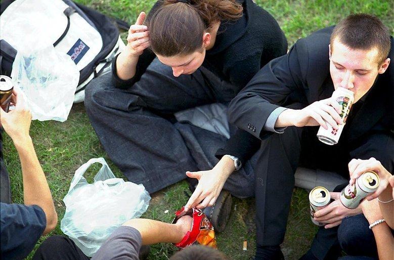 15-latkowie piją coraz mniej, ale łącznie Polacy piją więcej niż Rosjanie.