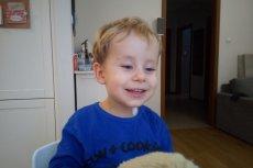 Wojtek ma 2 lata, choruje na siatkówczaka - nowotwór oczu.
