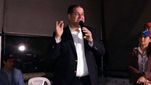 Wystąpienie Luisa Florido na spotkaniu z Wenezuelczykami mieszkającymi w Bogocie
