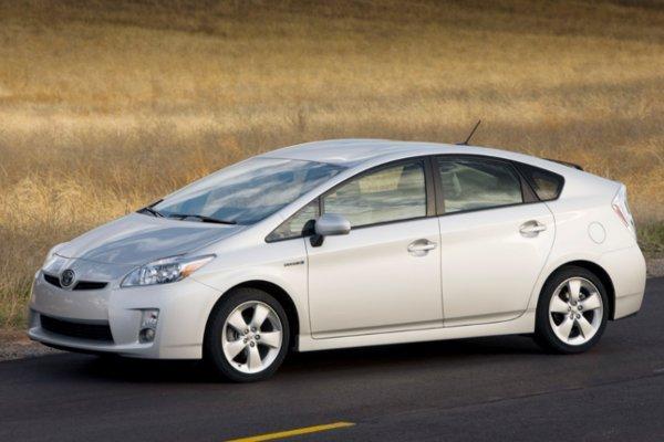 Toyota Prius - auto z napędem hybrydowym mieszanym