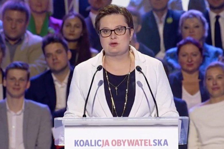 Katarzyna Lubnauer przedstawiła na Konwencji KO Alfabet Polski.