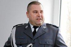 Komendant Wojewódzki Policji w Białegostoku Daniel Kołnierowicz –wystąpił w mundurze, ale apelując o słanie donosów na posłankę PO, wypowiadał się... prywatnie.