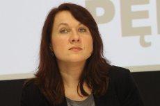 Dr Elżbieta Korolczuk, socjolożka z UW, opowiedziała w podcaście poliTYka jak koronawirus wpływa na równość płci.