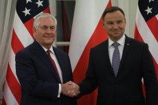 Prezydent Andrzej Duda w styczniu rozmawiał na żywo z szefem amerykańskiej dyplomacji. W lutym odmówił odebrania telefonu od Rexa Tillersona twierdząc, że sekretarz stanu USA jest niższy od niego ranga.