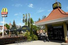 McDonald's do piątku będzie rozdawał kanapki McMuffin Farmerski za darmo. Studenci skaczą z radości