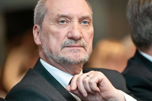 """Czyżby Antoni Macierewicz nieco """"podkoloryzował"""" swoją opozycyjną legendę?"""