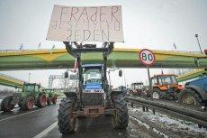 100 tys. zł na start dla młodego rolnika, 100 tys. na dodatkowy biznes dla rolnika. Pieniądze leżą na polach.