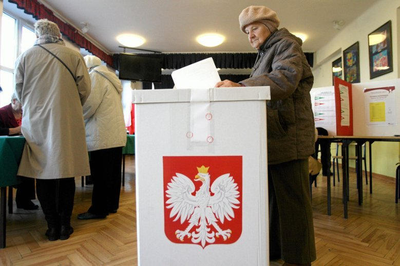Zaczyna się zwożenie wyborców do Warszawy?