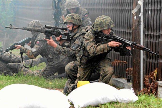 Po doniesieniach o konflikcie na Ukrainie 34 tys. Polaków chce szkolić się w wojsku