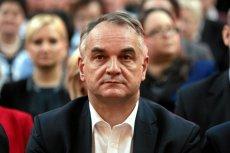 Były lider PSL Waldemar Pawlak sugeruje, że najwyższa pora oddać władzę w partii w ręce młodych.