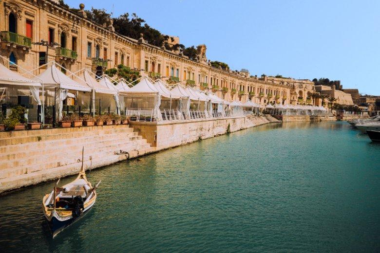 Dlaczego turyści tak chętnie odwiedzają Maltę? Jednym z powodów jest... jedzenie