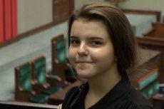Paulina FIlipek, uczennica jednego z warszawskich gimnazjów, uważa, że reforma edukacji odebrała wielu jej kolegom szansę na spełnianie marzeń.