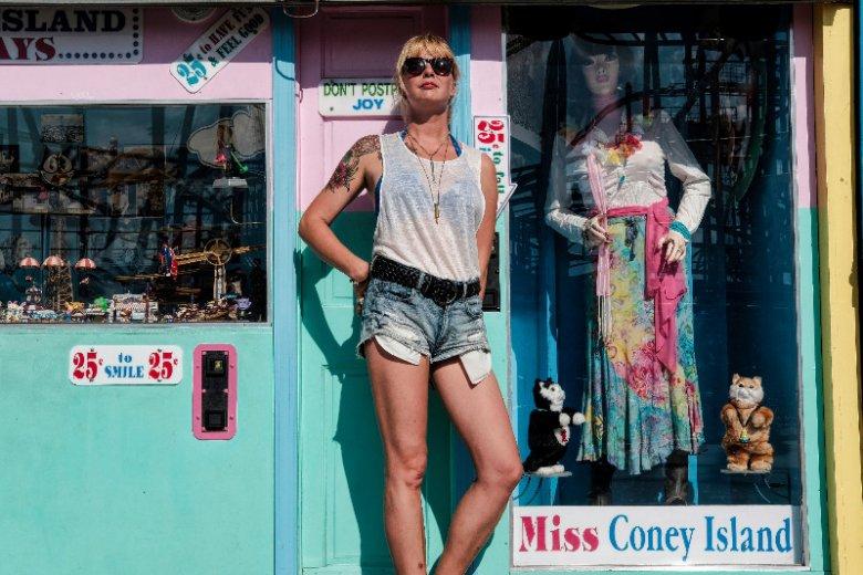 Karolina Sulej w Coney Island