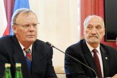 """Zdaniem posłów PO, prokuratura powinna zbadać działalność Wacława Berczyńskiego, który publicznie chwalił się, iż """"wykończył Carcale""""."""