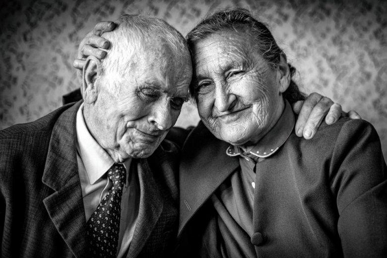 [url=http://shutr.bz/1rIH5uk] Kochająca się para [/url] ma szansę przeżyć szczęśliwie całe życie jeśli postara się zrozumieć emocjonalny język partnera.