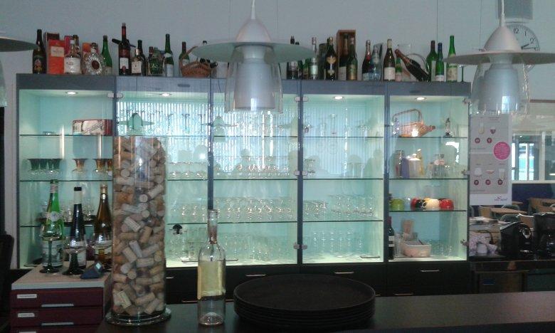 Bar w pracowni gastronomicznej holenderskiej zawodówki