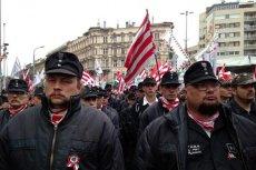 Przedstawiciele węgierskiego Jobbiku podczas wiecu w Budapeszcie