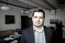 Problemy Michała Królikowskiego zaczęły się na początku tego roku. Jednak rozpędu nabrały dopiero po rozpoczęciu współpracy z Andrzejem Dudą.