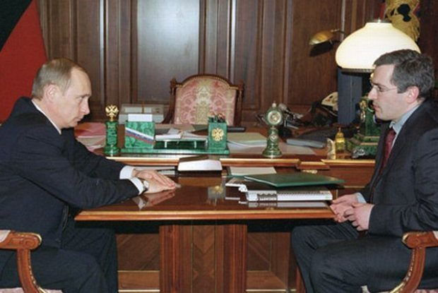 Władimir Putin i Michaił Chodorkowski w 2002 roku.