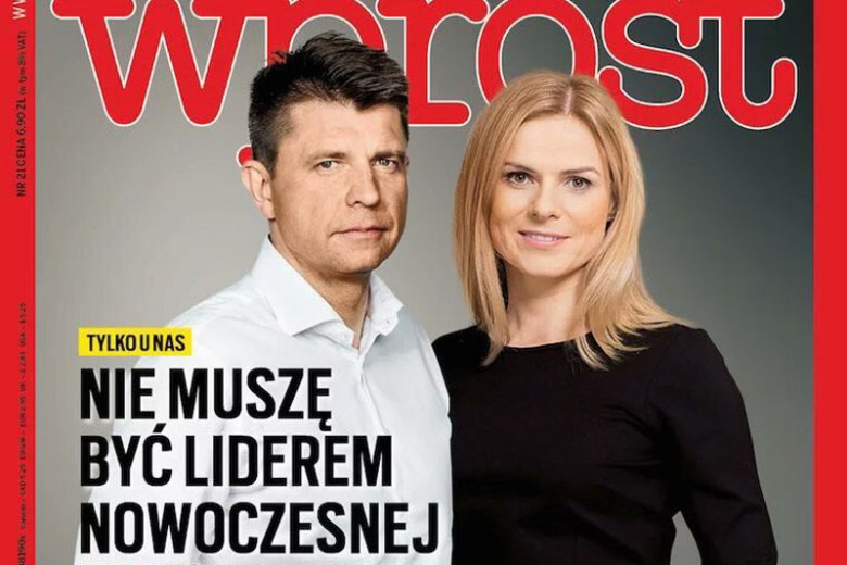 """Ryszard Petru obejmujący posłankę Nowoczesnej Joannę Schmidt na okładce """"Wprost""""? To fotomontaż."""