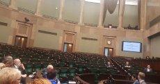 Posłowie PiS szybko opuścili salę plenarną Sejmu