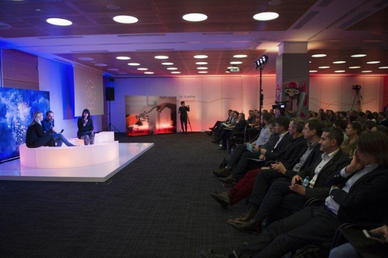 13 odsłona Miasteczka Myśli, cyklu spotkań poruszających aktualne tematy gospodarczo-społeczno-technologiczne, była poświęcona dyskusji o granicach rozwoju sztucznej inteligencji