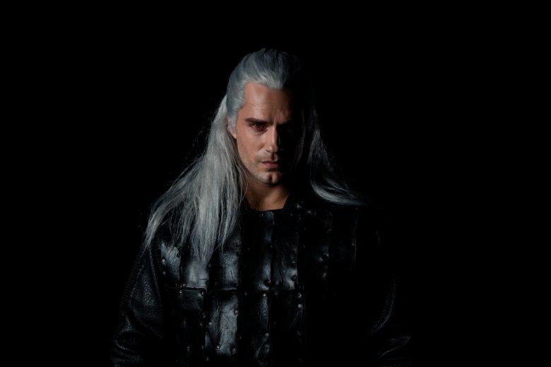 "Geralta z Rivii w serialu ""Wiedźmin"" gra Henry Cavill"