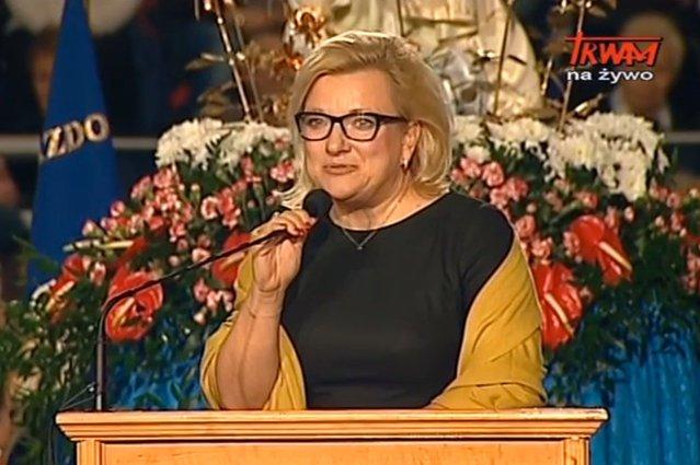 Beata Kempa przemawia na urodzinach Radia Maryja.