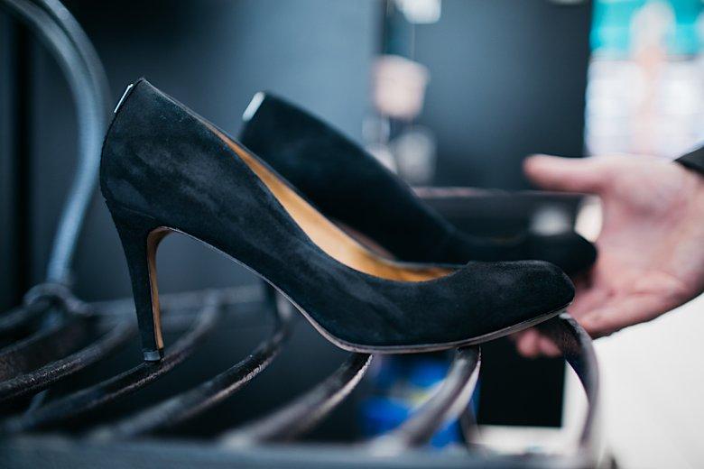 Kobiety chętnie oddają swoje buty w ręce pana Michała