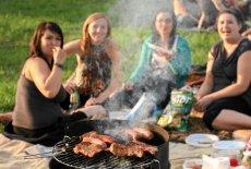 Polacy pokochali grillowanie.