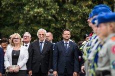 Wicemarszałkowie Sejmu oraz prezydent Warszawy na uroczystościach w 75. rocznicę wybuchu Powstania Warszawskiego.