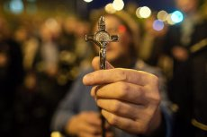 Coraz więcej mieszkańców Ameryki Łacińskiej porzuca katolicyzm na rzecz protestantyzmu.