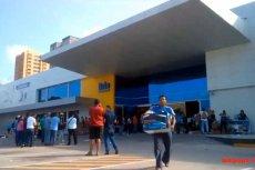 Nakazana przez rząd wyprzedaż w sklepach z elektroniką spowodowała szturm na placówki sieci Daka.